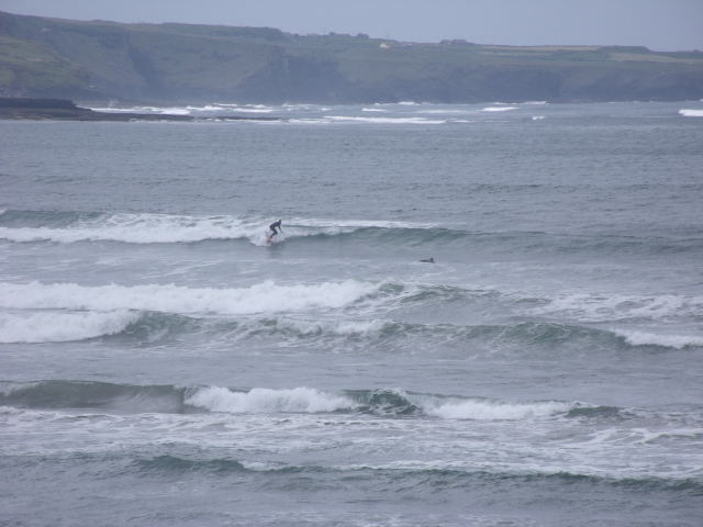 Click to view the Lahinch, Ireland surfcam